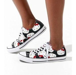 NWT Converse x Hello Kitty Chuck Taylor All Star